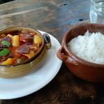 ポルチ - イベリコ豚のチョリソーと野菜のトマト煮込みランチ