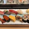 すし白川 - 料理写真:ランチ竹1380円とネギトロ巻500円。若いイケメンの職人さんが握ります。整った味わいで、美味しくいただきました(^。^) アジが肉厚て、特に良かったです(╹◡╹)
