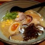 神びれ - 神びれラーメン 850円
