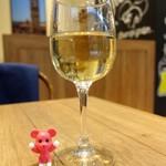 ピッツェリア&バー マーノエマーノ - グラスワイン ¥550