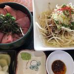 はるみ - ランチセットの油麺+マグロ丼