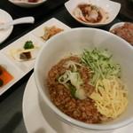 105013256 - 台湾混ぜ麺を選んだセット