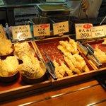 香の川製麺 - 天ぷらの盛合わせにも、惹かれたが・・・