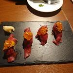 105024110 - 肉寿司