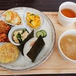おむすびcafe 粒 - Cセット 1,200円 鮭は+30円
