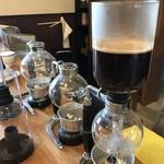 cafe 蔵 - ドリンク写真:目の前のサイフォンで淹れてくださいます(2019.4.4)