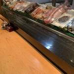 さくら寿司 - ショーケース