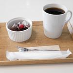 SONOKO CAFE - ガトーショコラミニ、コーヒー