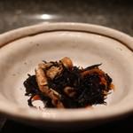魚魯魚魯 - ひじきの煮物
