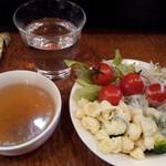 10505104 - サラダバーとスープ付き