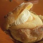 洋菓子工房 アルザセーヌ - 料理写真:シュークリーム