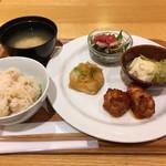 カフェ&ミール ムジ - 選べるDELI4品+炊き込みご飯