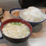 105055767 - ご飯とお味噌汁はお代わり無料!