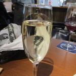 下北沢 ビストロ Bon - ドリンク写真:スパークリングワイン