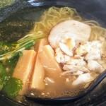 魚骨ラーメン 鈴木さん - 料理写真:鯛骨ラーメン塩780円税込にトッピング鯛ほぐし身50円税込