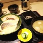 島の恵みと喰らえ 匠 - 日替わり魚定食(鮭の味噌バター煮)