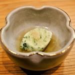 金兎 - よもぎ豆腐