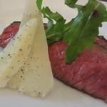 Trattoria Adriana - 牛肉のタリアータ、お肉アップで♪
