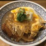 とりかつ丼の黒兵衛 - 料理写真:とりカツ丼並626円