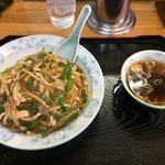 中華飯店青柳 - ピーマン肉細切丼