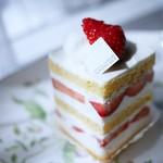 アテスウェイ - ガトーフレーズ ショートケーキ