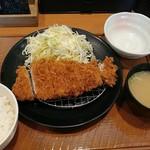 とんから亭 - 料理写真:ロースかつ定食