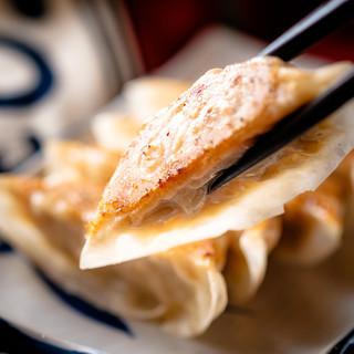 手作り餃子と美味しい焼き鳥をご用意しています!