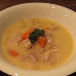 ドールドレス - ワーテルゾーイ チキンと野菜のホワイトソース煮込み ¥900