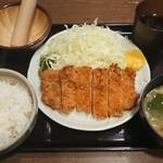 紅とん - とんかつ定食¥700-