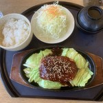こだわりとんかつ 神楽 - ミンチ生姜焼き定食