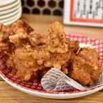 やきとり やきとんエイト - 鶏カラ@420円