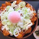 釈迦堂パーキングエリア(上り線)スナックコーナー - 信玄鶏の鶏玉あんかけ丼 850円 ご飯大盛り無料