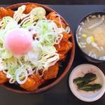 釈迦堂パーキングエリア(上り線)スナックコーナー - 味噌汁+小鉢付き