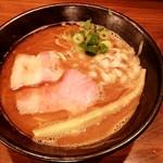 いかれたヌードル フィッシュトンズ - 料理写真:魚介豚骨ラーメン