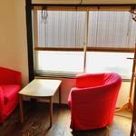 べーかりーかふぇ 伊勢屋 - 2階のカフェ・スペース