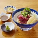 海街丼 - マグロの胡麻醤油丼