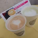 ストリーマーコーヒーカンパニー - カフェラテと抹茶ラテ