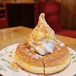 コメダ珈琲店 - 料理写真:季節のシロノワール 「チーズタルト」