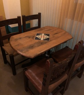 クイシェ メスカレリア - テーブル4名席