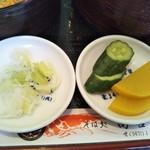 そば処 高喜屋 - 薬味と漬物(2019年4月6日撮影)