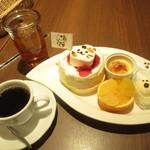 Sweets Smile - とーきゅんにゃんにゃんパンケーキセット 1296円(税込)とアイスティ 540円(税込)【2019年1月】