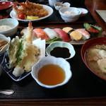 105155049 - 握り寿司と天ぷらのセット定食です☆ 2019-0403訪問