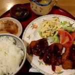 うえむら - ひれかつ定食(1300円) 味噌汁だけ遅れて来たので写真には写ってないよ。