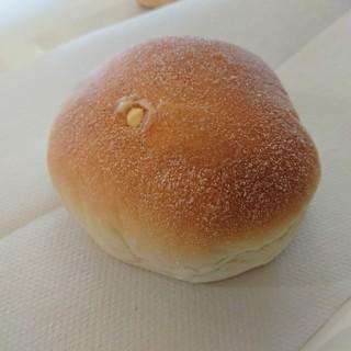 粉とクリーム - 料理写真:ダブルクリームパン(180円)