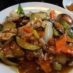 食香閣 - ナスと豚肉炒めはボリューミー(゜ロ゜;ノ)ノ