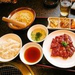 五色亭 - ハラミ定食