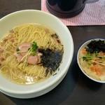 ヌードルズキッチン ガナーズ - 料理写真:汐そばとミニ海鮮丼