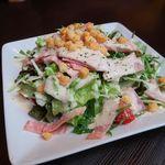 本格水炊きと博多もつ鍋 地鶏と九州料理 居酒屋 鳥邸 - シーザーサラダ
