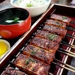 松野屋 - こんなに沢山食べれるなんて幸せ