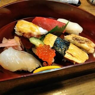 すし一 - にぎり寿司セット